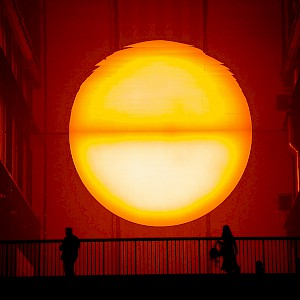 Olafur Eliasson's the Weather Project (2003) installation at the Tate Modern (Photo © Reid Bramblett)