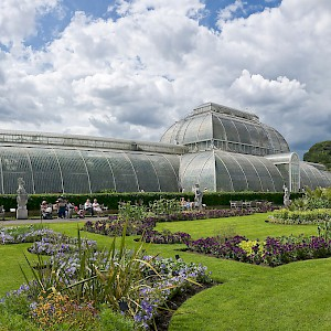 The Palm House at Kew Gardens (Photo by Diliff)