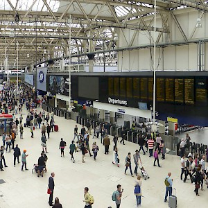 Busy Waterloo Station (Photo © Image & Design Ian Halsey MMXIV)