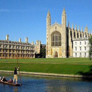 Punting on the Cam in Cambridge, a popular side trip from London (Photo courtesy of Context Travel)