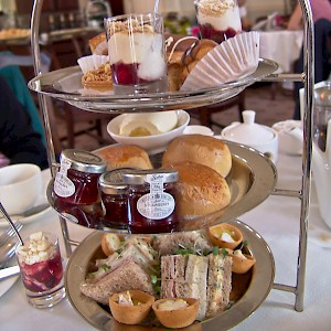 A tea tray at the Pump Room (Photo © Reid Bramblett)