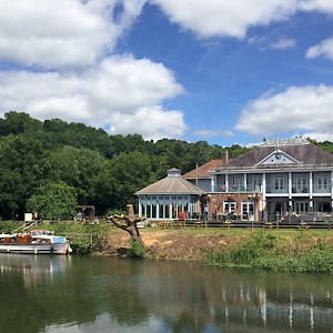 A cruise on the Avon River (Photo )