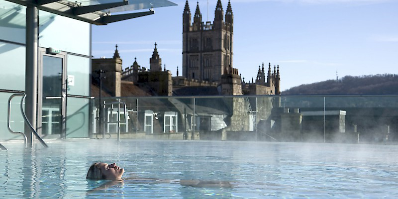 The thermal rooftop pool (Photo courtesy of Visit Britain)